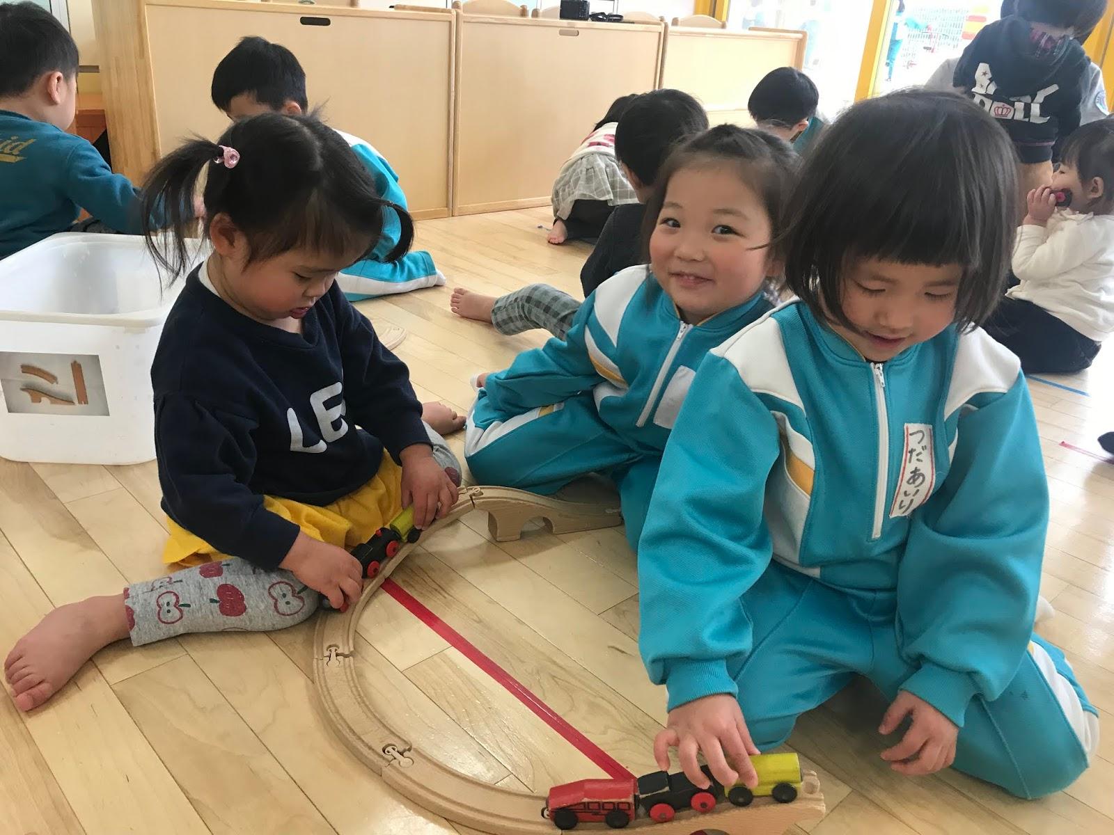 奈良県保育園 香芝市保育園 せいか保育園 のびのびBLOG: りす組☆こあら組さんとダンスをしました!