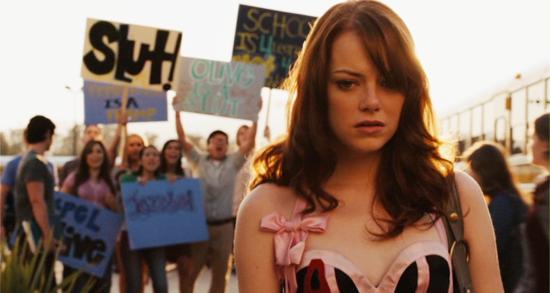 Olive sentindo o peso da discriminação | A Mentira - 2010 | Blog #tas
