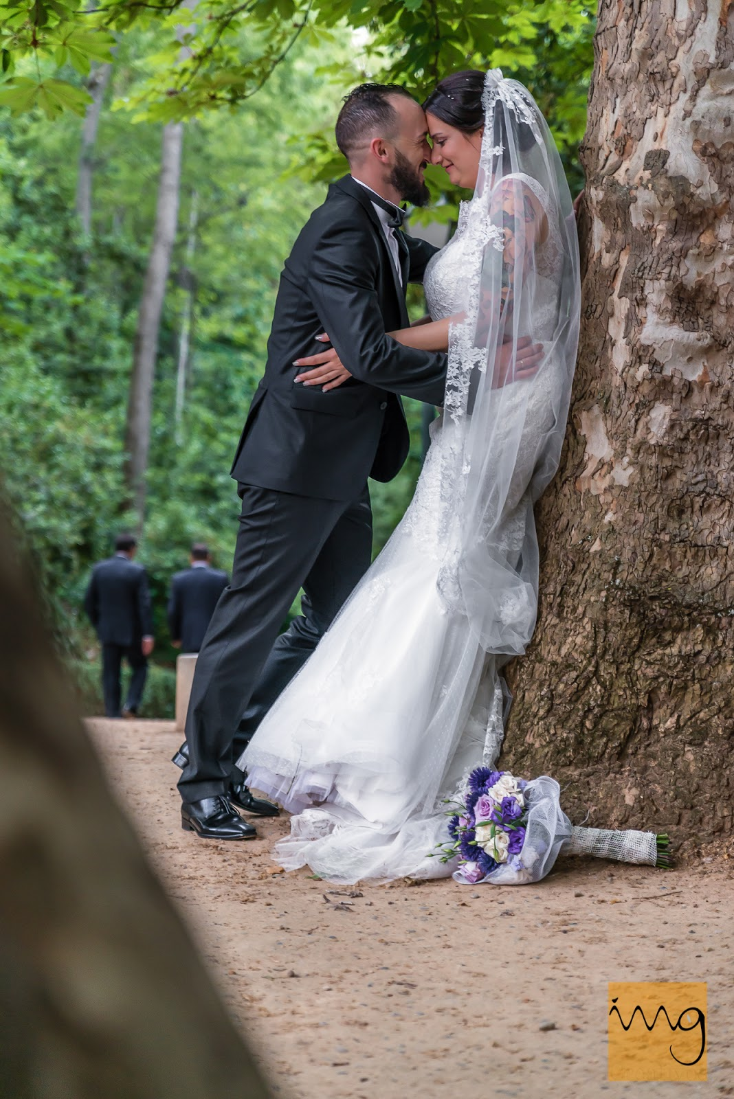 Fotografía amorosa de los recién casados