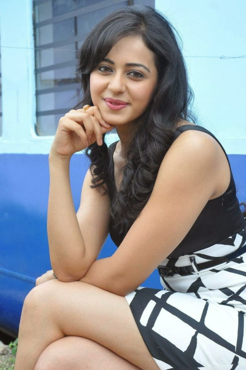 Rakul Preet Singh Thigh Show In Mini Black Skirt