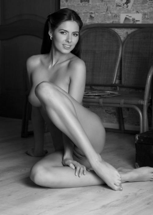 Fotos de mulheres nuas a preto e branco