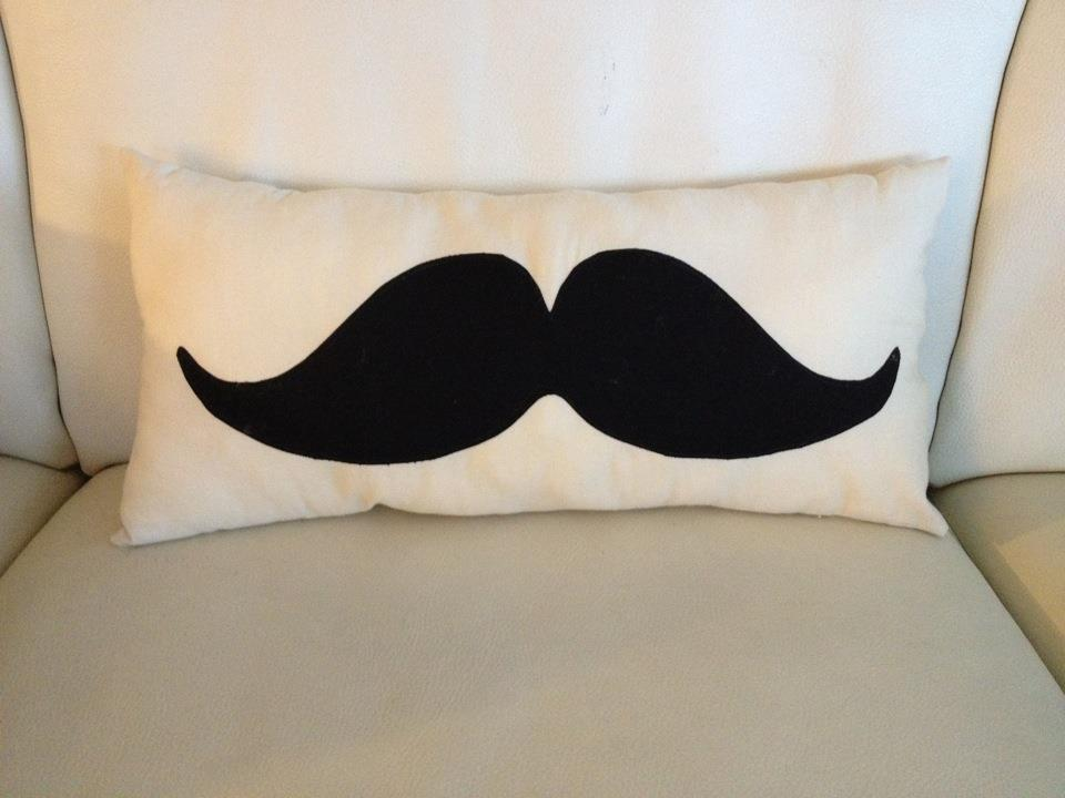 12 Crafts 2012: Mustache Pillow!