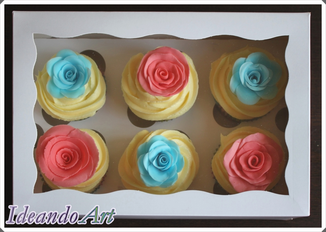 Caja cupcakes con rosas fondant