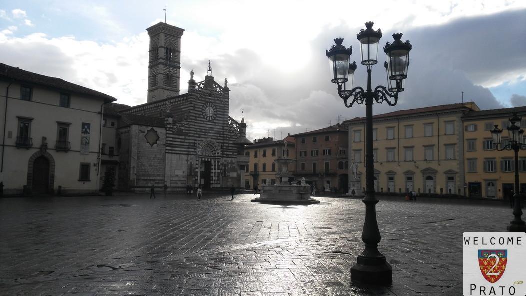 Piazza del duomo a prato il centro religioso for Piazza duomo prato