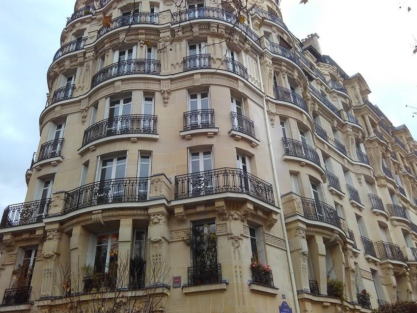 Fachada de edifício em Paris