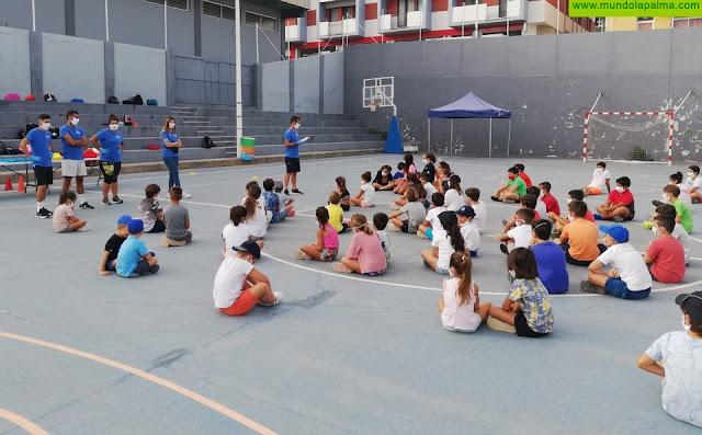 """Los Llanos pone en marcha los cursillos de natación y el Campus de Verano """"Aridane se mueve"""" con más de 250 inscriptos"""