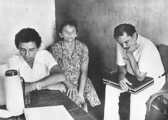 Personagens bem reais do documentário Cabra Marcado para Morrer, de Eduardo Coutinho, na década de 1980.