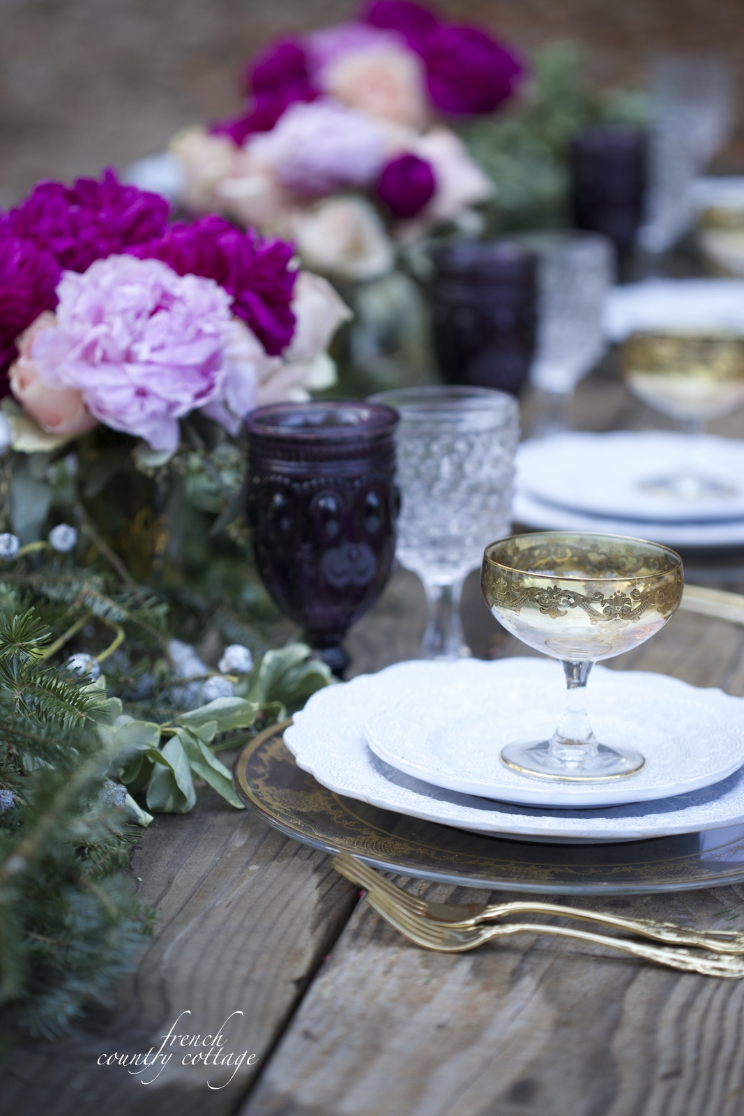 Romantic Holiday Table setting - FRENCH COUNTRY COTTAGE