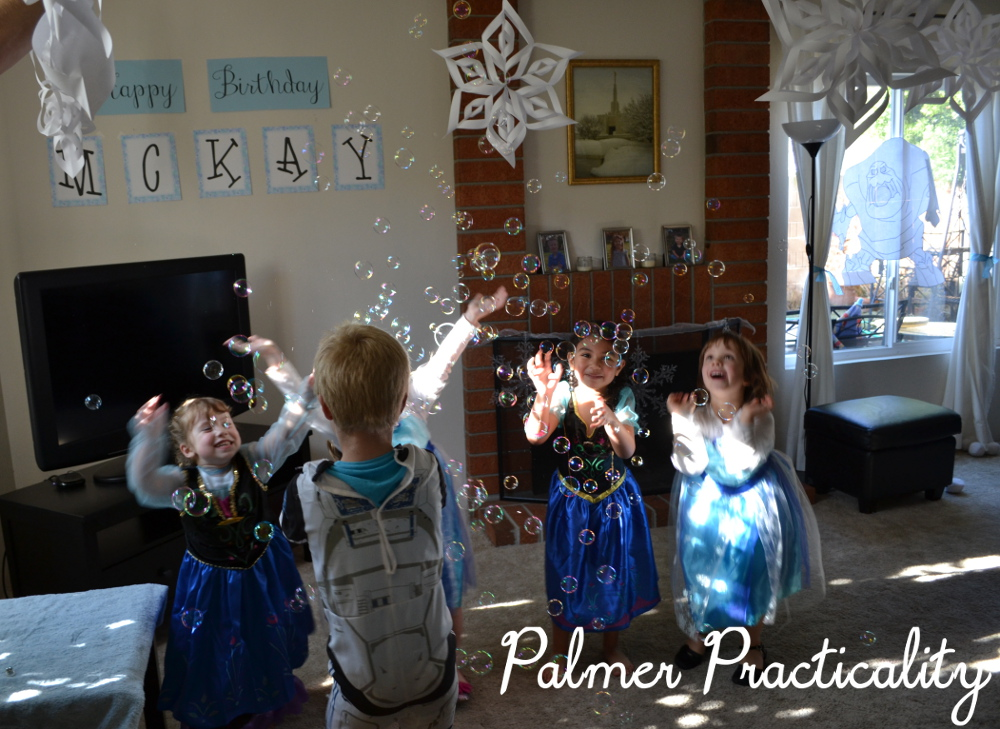 A Few Months Ago We Had Wonderful Frozen Birthday Party For My 4 Year Old Daughter Of Course With Being So Popular There Are Billion Ideas Out