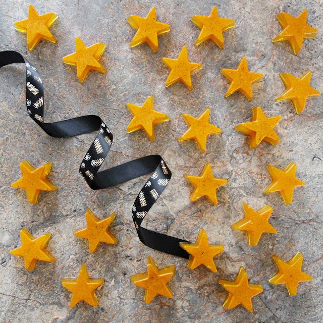 DIY turmeric gummy Christmas dog treats shaped like golden stars