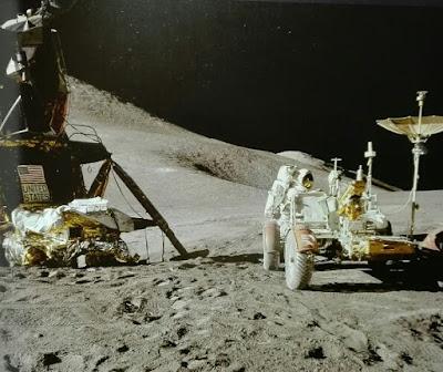 Vehiculo en la Luna