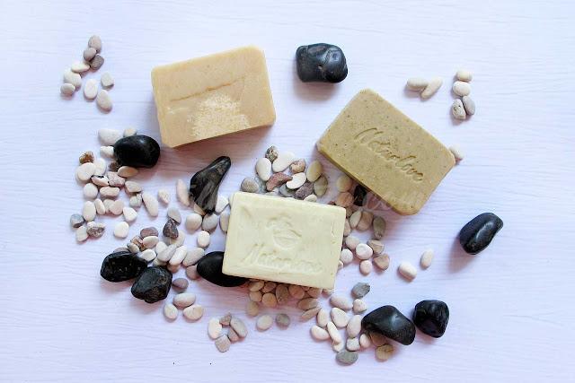 sabun naturlove memiliki warna natural sesuai bahan yang digunakan