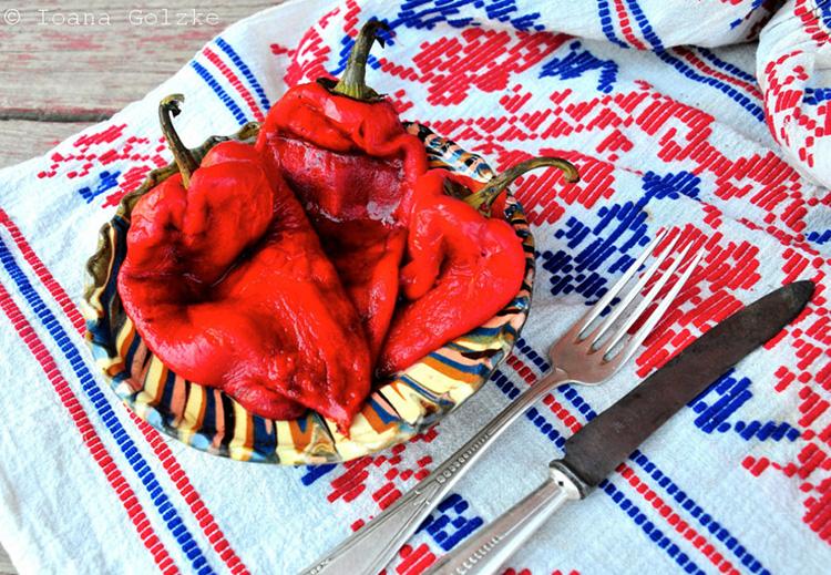 miss red fox rezept des monats august rum nischer salat von gegrillter spitzpaprika. Black Bedroom Furniture Sets. Home Design Ideas