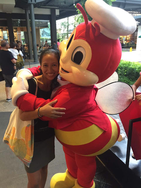 First order of business upon arrival in Manila: Jollibee!