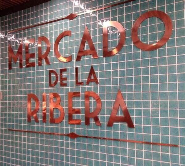 Mercado de la Ribera en Bilbao pintxos comer bien y barato