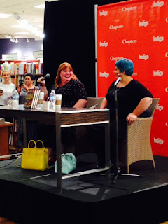 Cassandra Clare and Holly Black talking about writing with each other.
