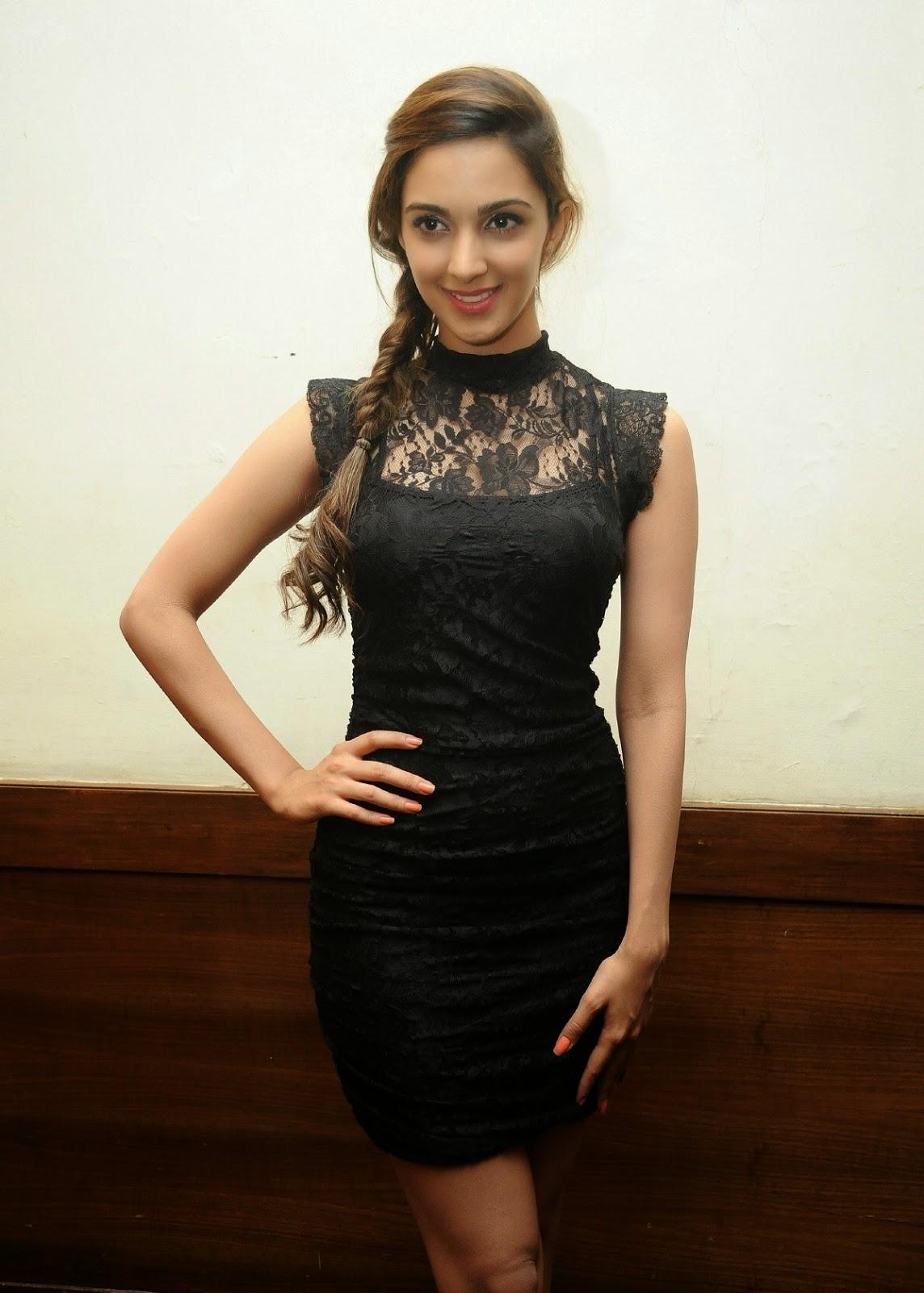 High Quality Bollywood Celebrity Pictures: Kiara Advani