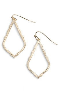 Kendra Scott earrings - BFF gift guide under $50. Birthday gift guide under $50. Birthday presents under $50. Birthday gift guide. | brazenandbrunette.com