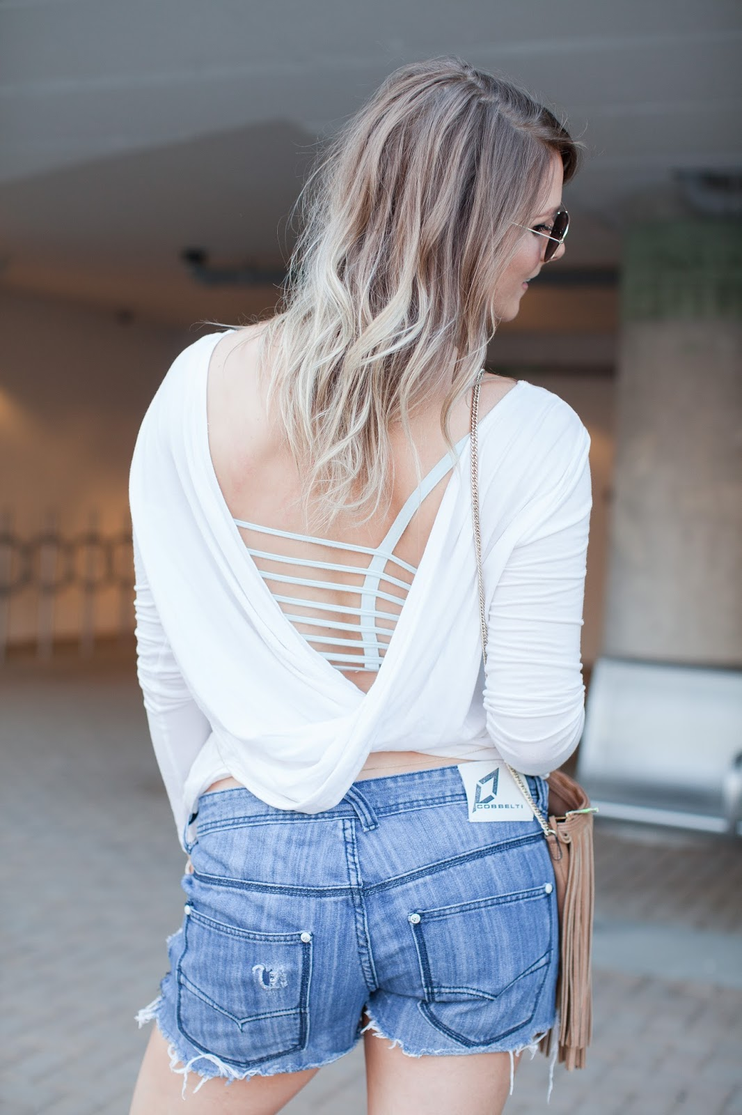 An Easy Way to Wear a Body Chain