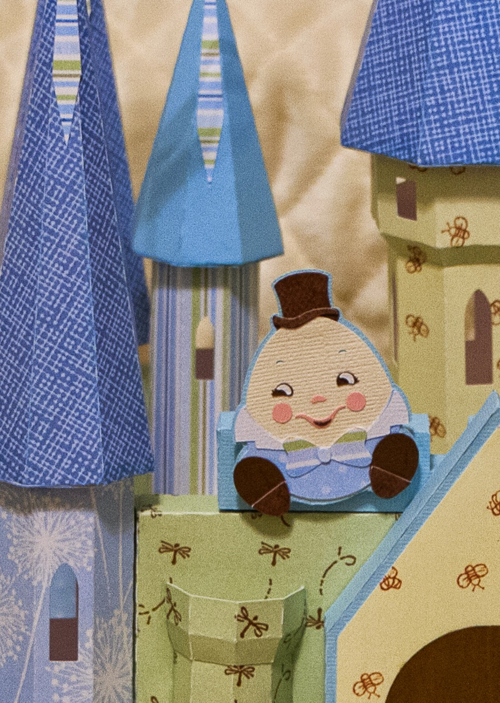 Humpty Dumpty sitting on the wall of a castle gift box