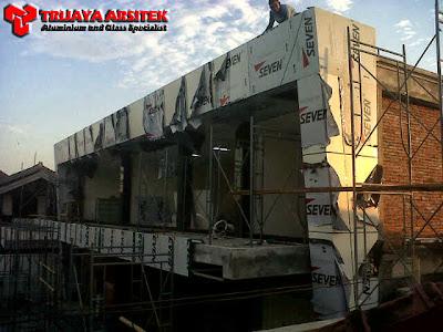 Aluminium Composite Panel, Letter Acrylic, Pintu & Jendela Aluminim, Pintu Frameles, Partisi kaca, Proyek Mataram