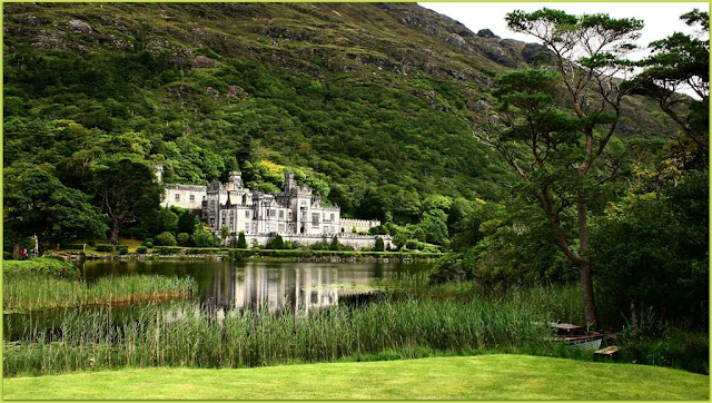 Photo walk through Kylemore Abbey
