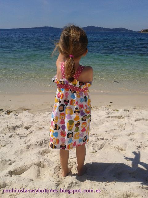 Con hilos, lanas y botones: vestido paperbag de princesas para niña