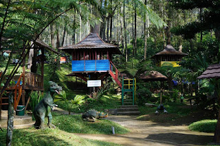Pondok Wisata Alam di Terminal Wisata Grafika Cikole, Lembang