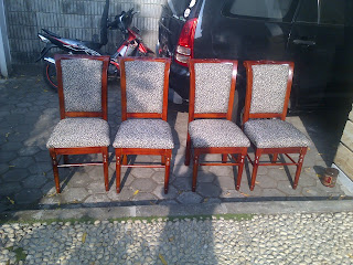 perbaikan kursi/sofa