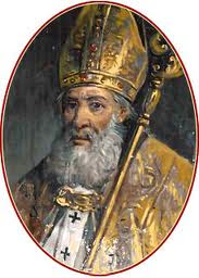 San valentin con vestiduras y mitra de obispo y baculo pastoral
