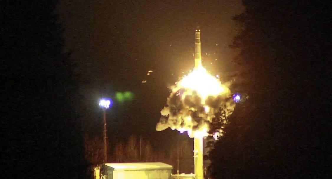 Pasukan Rudal Strategis Rusia Meluncurkan Empat Rudal ICBM Sekaligus
