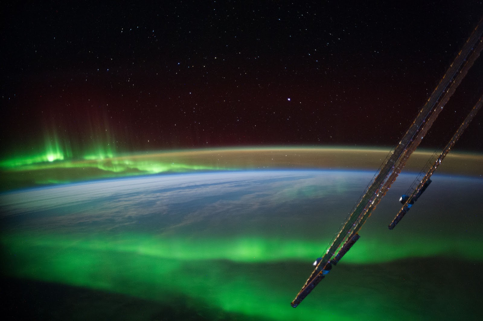 Aurora Australis Aurora Australis   One of the more spectacular scenes of the aurora australis was photographed by one of the Expedition 40 crew members aboard the International Space Station from an altitude of approximately 223 nautical miles  Image Credit: NASA