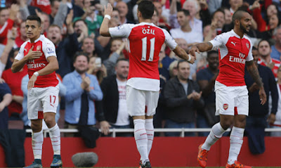 Arsenal Star Wins PFA Fans' Award