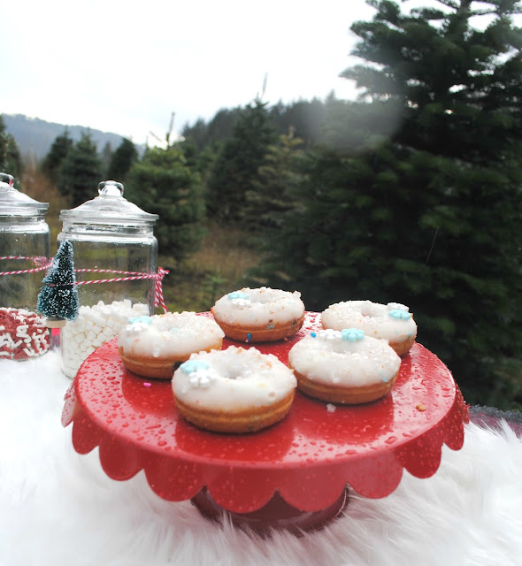Serve up some mini donuts while looking for the perfect tree. More inspiration at FizzyParty.com