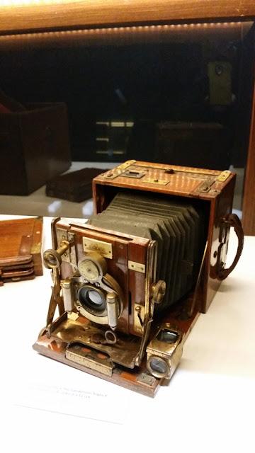 Que máquina fotográfica incrível! - Exposição Lentes da Memória