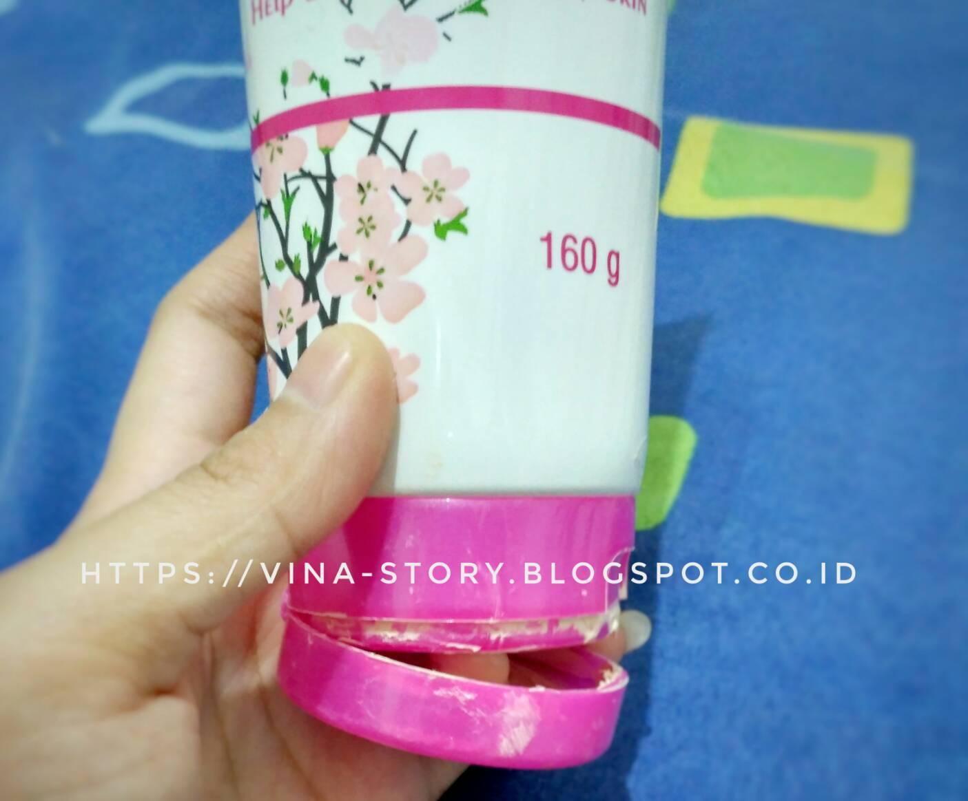 Vina Story Fair N Pink Whitening Body Serum Mencerahkan Kulit Badan 160ml Desainnya Pun Simple Sekali Dan Memuat Cukup Informasi Menurutku Samalah Dengan Konsep Packaging Produk Handbody Lotion Yang Banyak Beredar Dipasaran