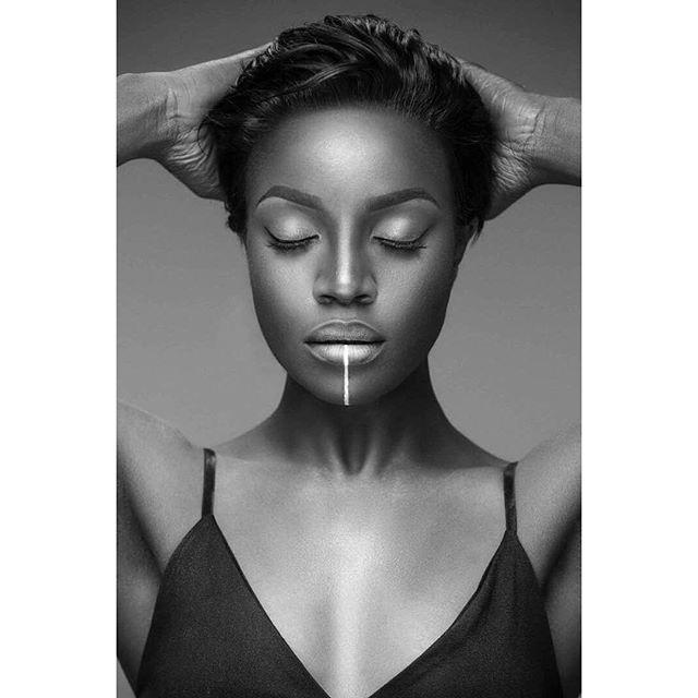 Singer-Seyi-shay-looks-stunning-in-new-photos