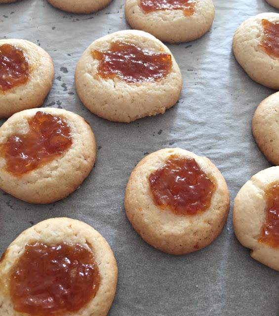 Receta galletas de azucar con mermelada | http://bizcochosysancochos.blogspot.com/