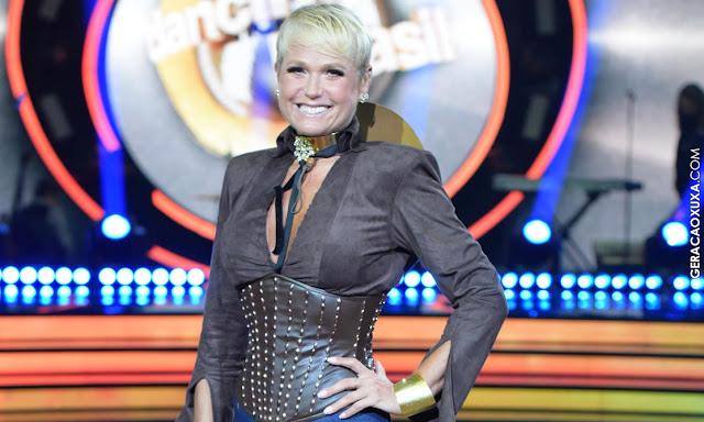 Ao lado de Leandro Lima, apresentadora Xuxa Meneghel dança coreografia criada exclusivamente para ela