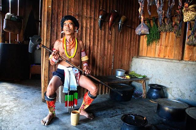 Angami man, Nagaland - Johan Gerrits photography
