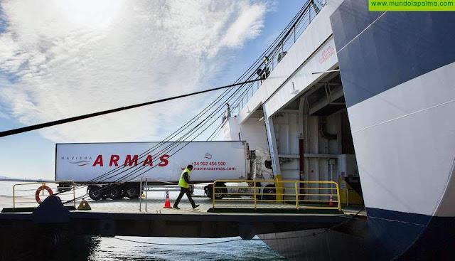 Obras Públicas, Transporte y Vivienda cierra un contrato de 4,4 millones de euros con las navieras para garantizar el transporte marítimo interinsular durante la crisis sanitaria