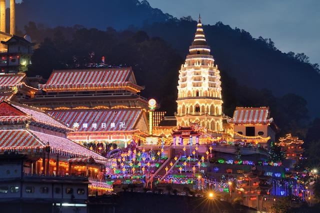 21. Kek Lok Si Temple