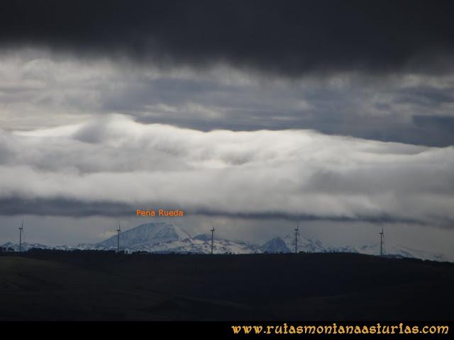 Ruta Alto Aristebano, Estoupo, Capiella Martín: Vista de Peña Rueda desde el Estoupo
