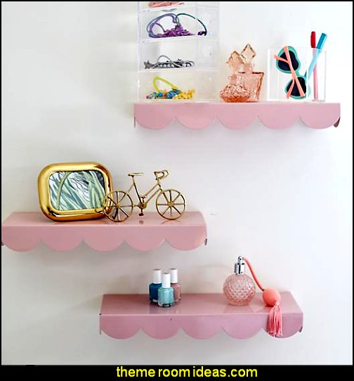 Scallop Wall Shelf