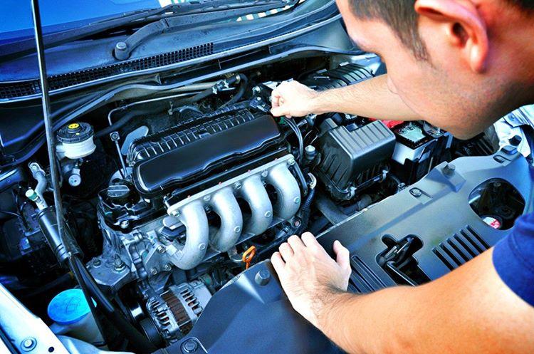 Otomobilinizin pompası tepki vermiyorsa anahtarı kontaktan çıkartarak tekrar çalıştırmak için bir süre beklemelisiniz.