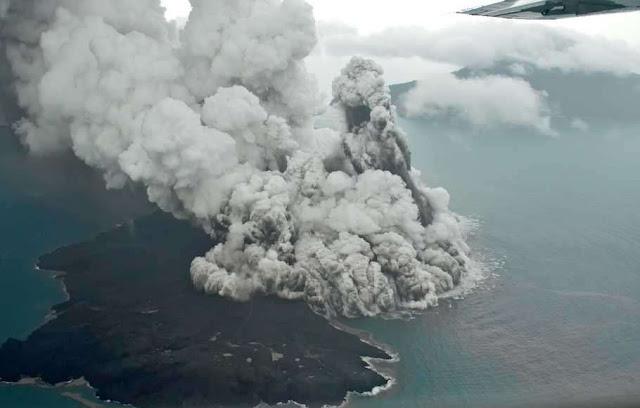 Potongan Besar Badan Gunung Anak Krakatau Hilang, Longsor Seluas 64 Hektare