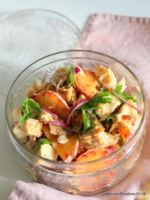 Brathuhn-Salat mit Blutorange und Erdnuss