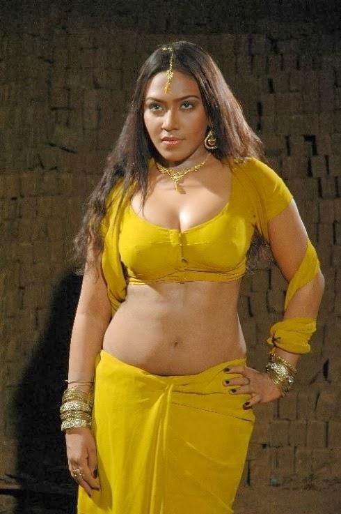 Doodhwali Kerla Mallu Aunty Saree Removing Sexy Big -5662