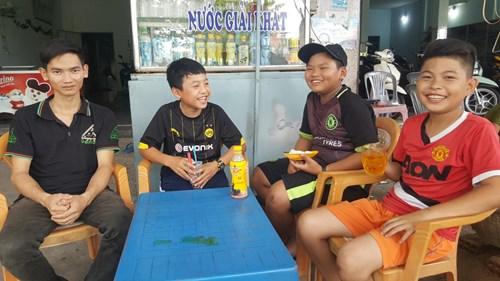 Gia Lai: Chàng trai khuyết tật dũng cảm cứu sống 5 em học sinh khỏi chết đuối
