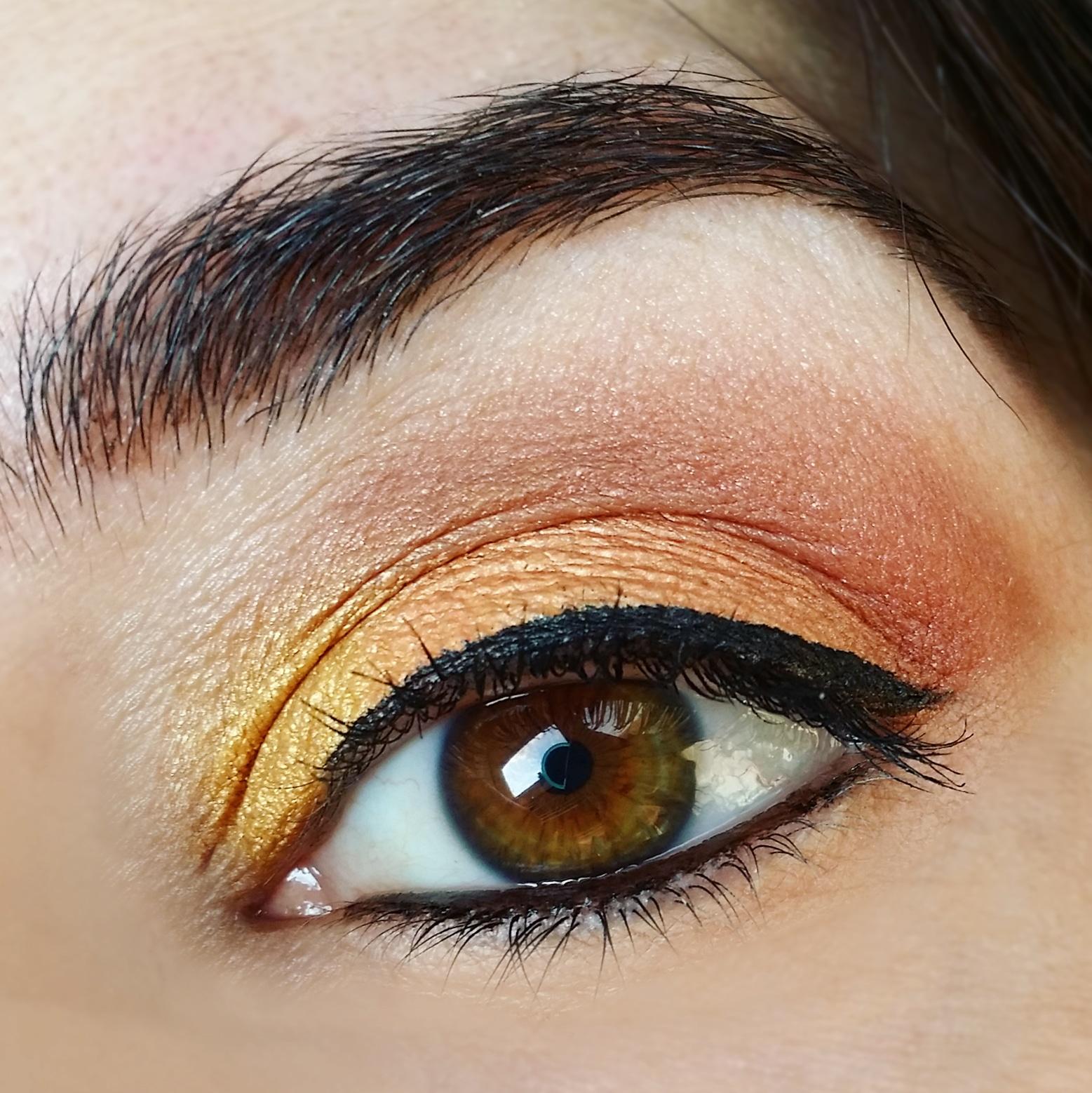 trucco-occhi-dorato